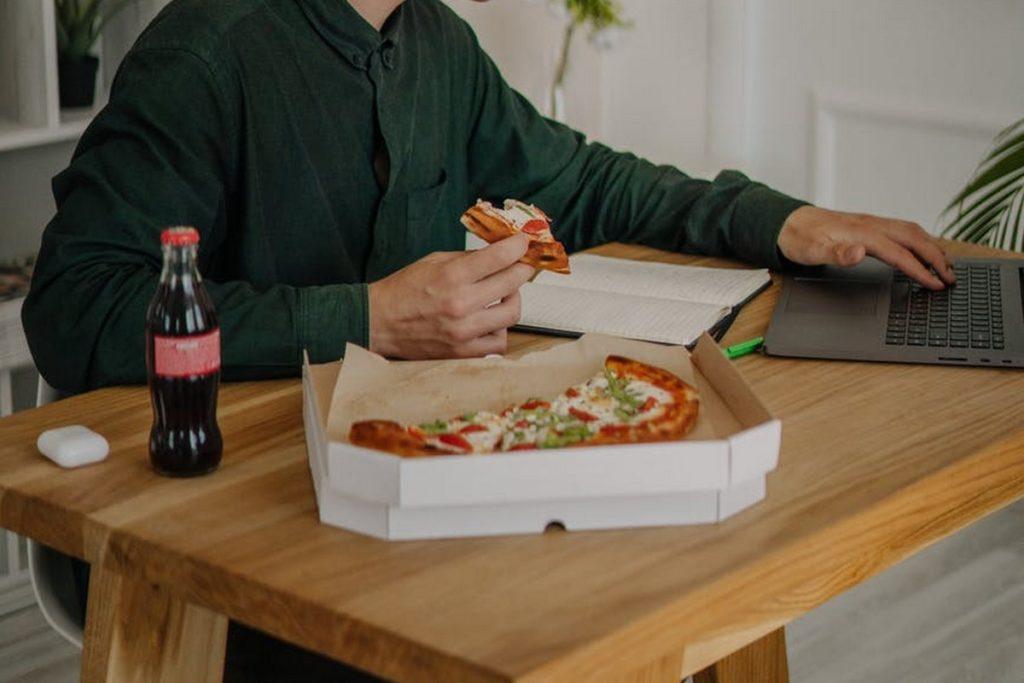 3 services pour déjeuner sainement en télétravail